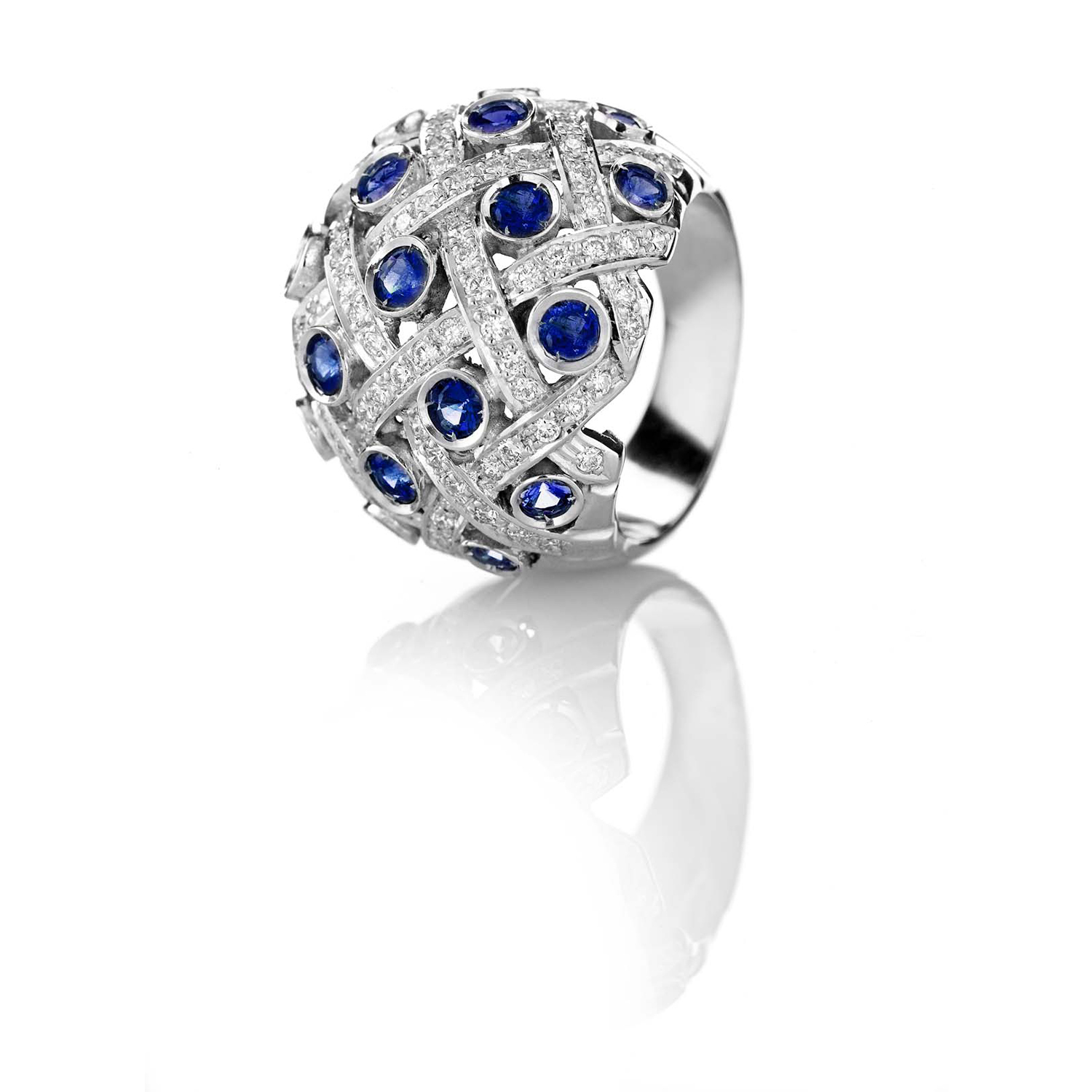 Sensi joyas jewellery Granada silver engagement18K WHITE GOLD RING DECORATED WITH 2.30CT OF BRILLIANT-CUT NATURAL SAPPHIRES AND 1.07CT OF BRIGHT-CUT DIAMONDS.